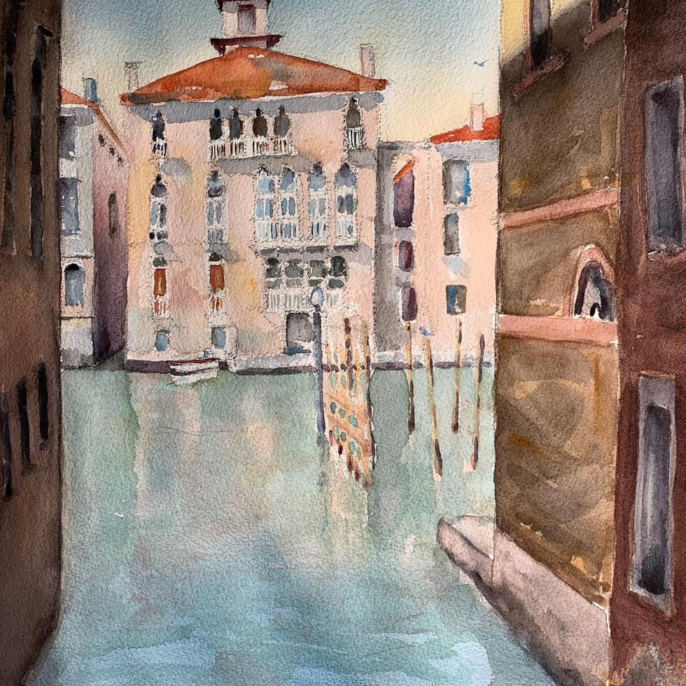 Alley in Venice.JPG