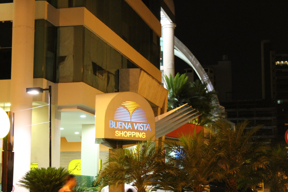 Buena Vista Shopping (2)