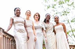 An accordeon of bridesmaid