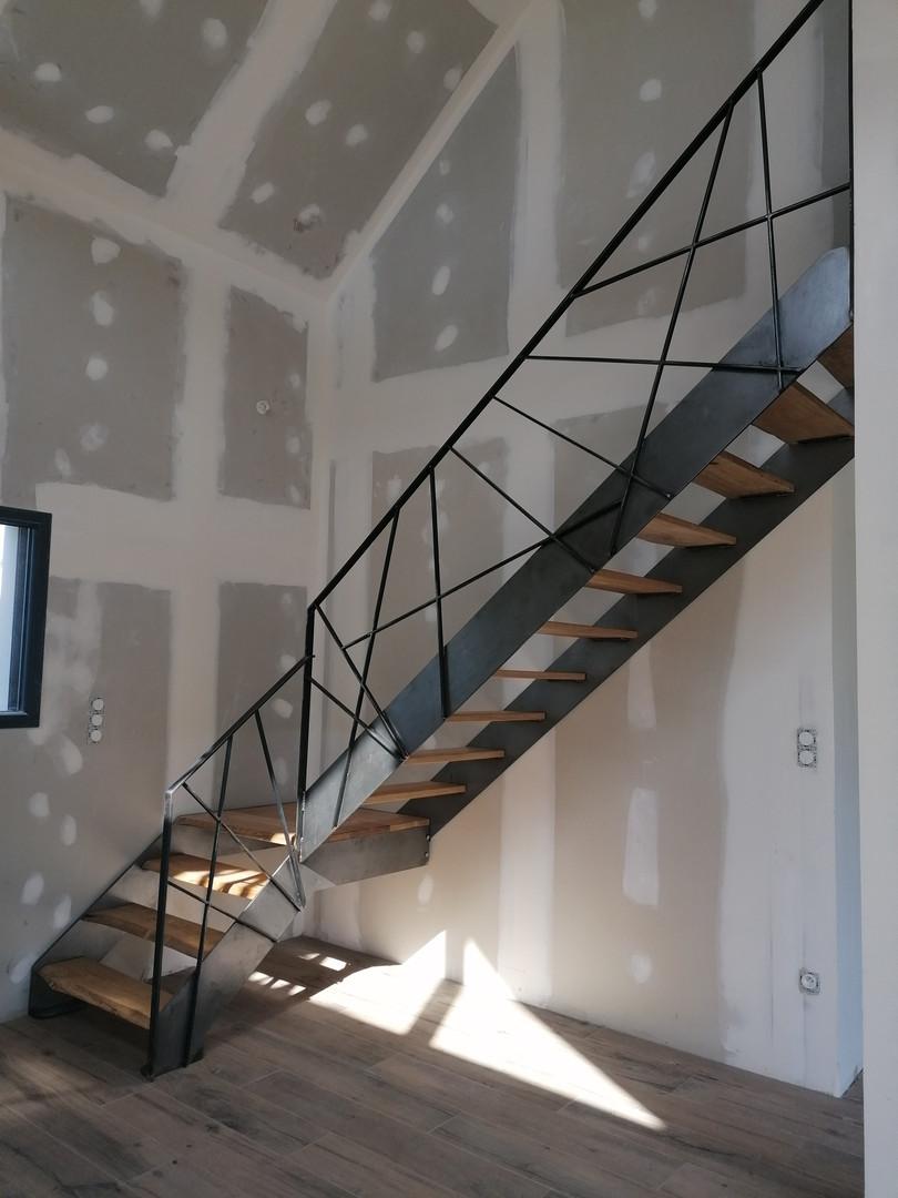 Escalier design acier et bois