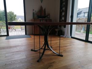Piètement de table pour plateau en bois