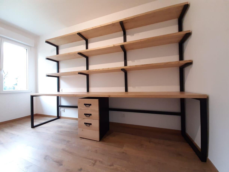 Bureau design de trois mètres