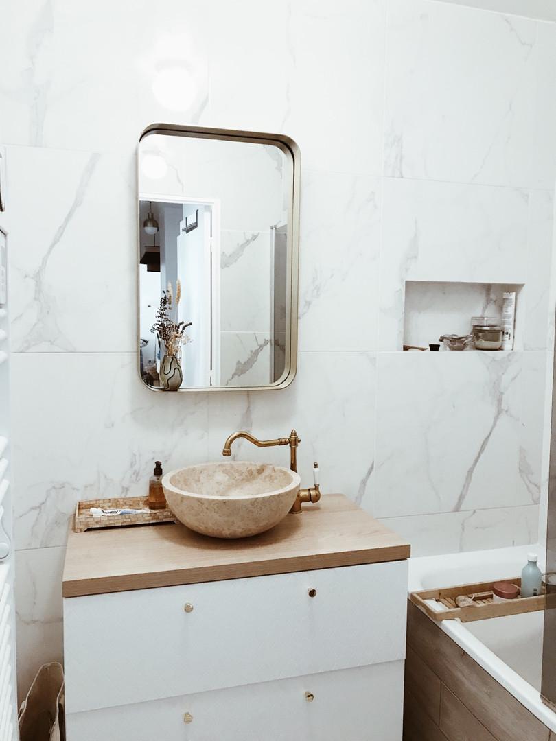 white small bathroom.jpg