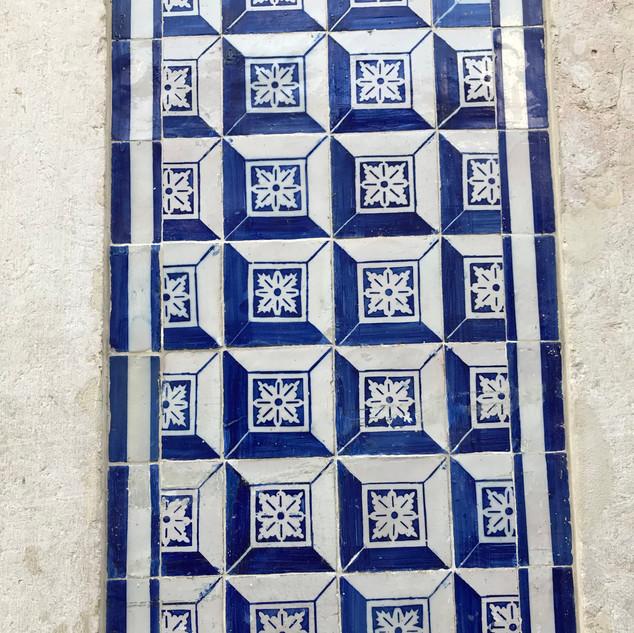azulejos lisbonne.jpg