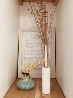 shelf decoration idea.jpg