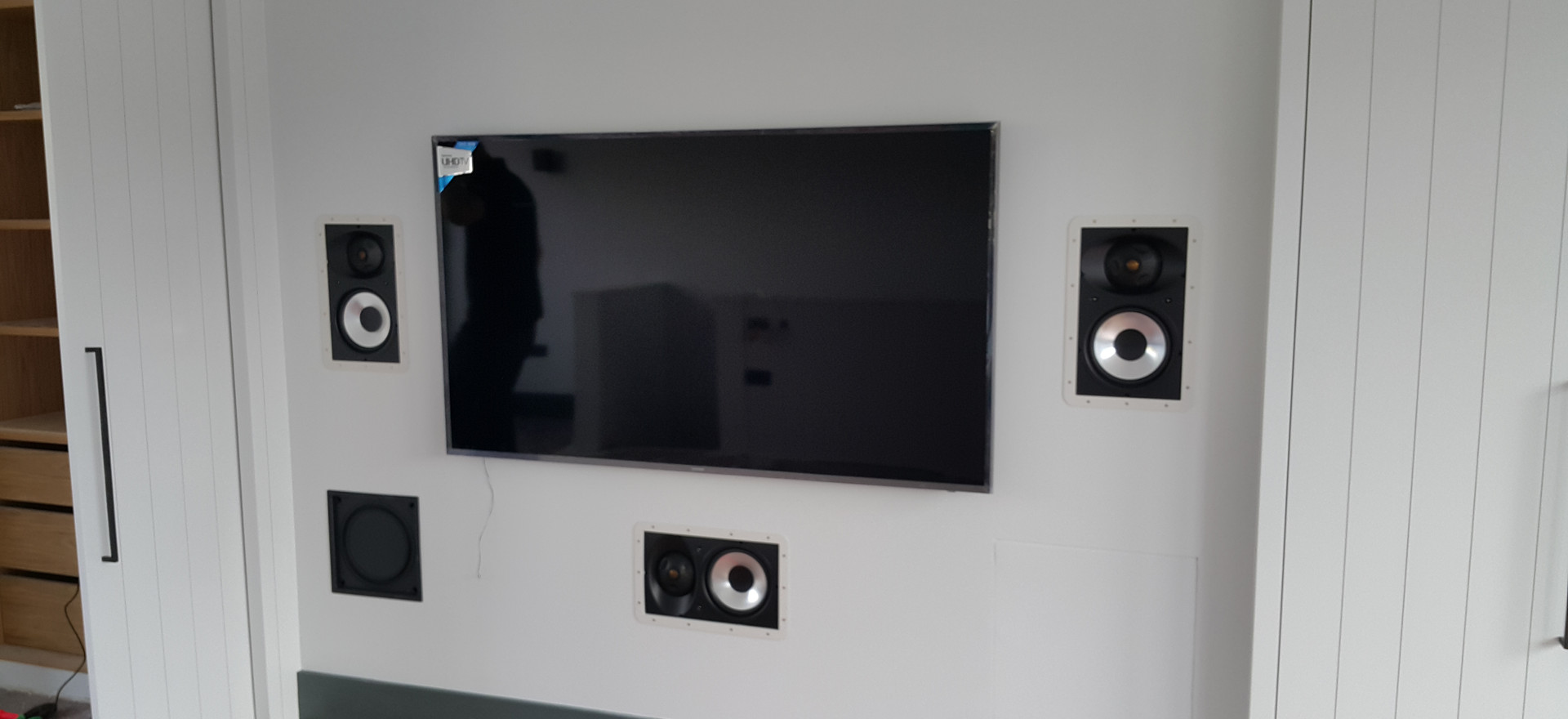 Surround sound 5.1 with sub and television mount