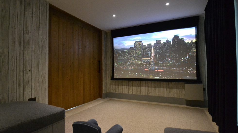 Cotswolds Lakeside Villa Cinema Room
