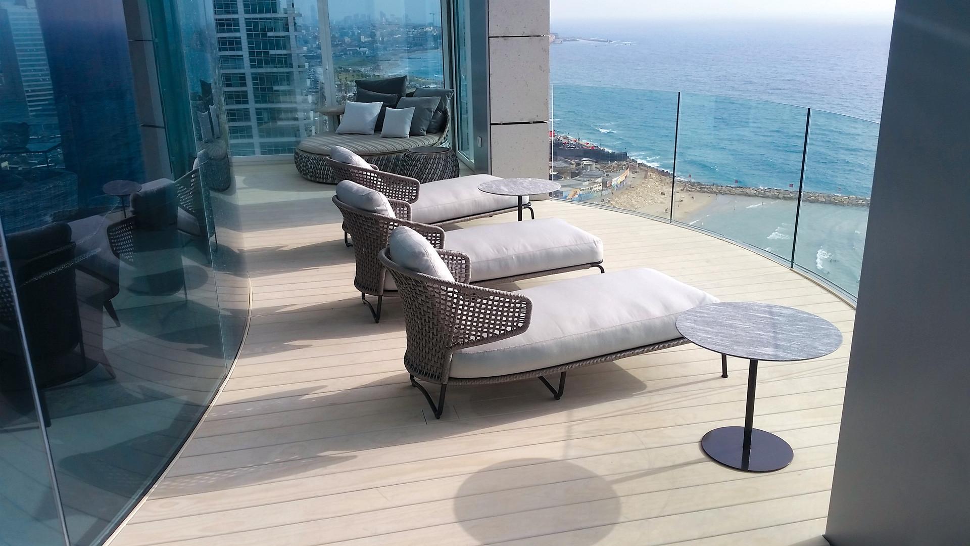 Royal Beach Hotel Tel Aviv.jpg