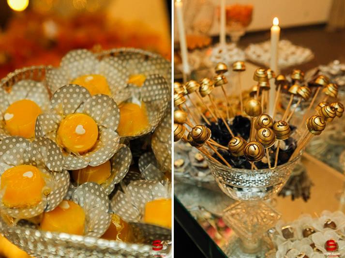 Flor Dourado Fosco com Poá