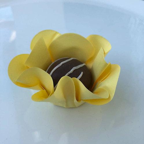 Forminhas Margaridas Amarelo Cx. 50 unid - Truffle Wrappers Shipping Worldwide