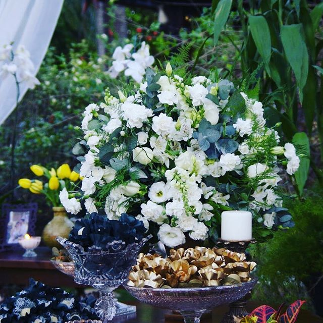 Olha que maravilhoso 😍😍😍_#noivas #noivasbh #noivasrj #noiva2018 #voucasar #forminhas #mesadobolo