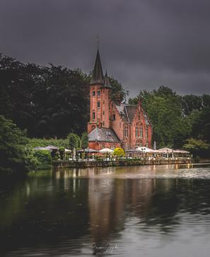 Kasteel-Minnewater_Bruges_Brugge_Belgium