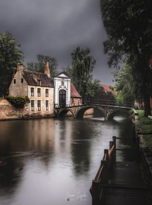 Brugge_Bruges_Belgium_Maison-Beuinale.jp