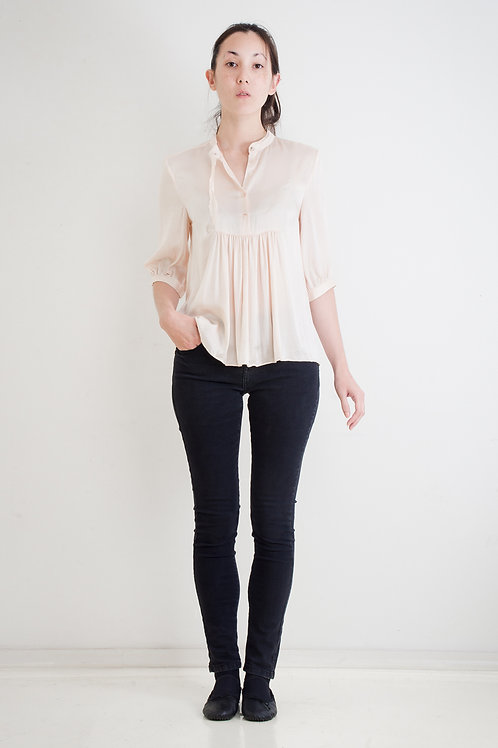 WASHED SILK TOP WITH RAW EDGE COLLAR-RIBBON