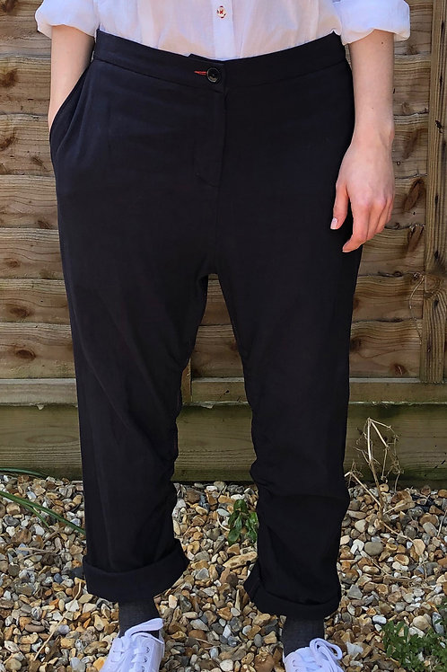UTILITY TROUSER WITH ADJUSTABLE WAIST AND LEG