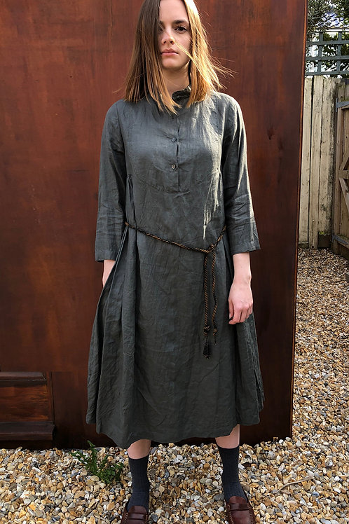 BIB-FRONT GOVERNESS DRESS IN LINEN OR WOOL CREPE