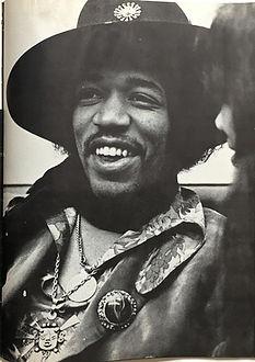 jimi hendrix magazine 1968/hullabaloo october 1968: we are 3!