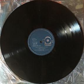 disc1/side 1/ woodstock two  / brazil / 1971 jimi hendrix album vinyls