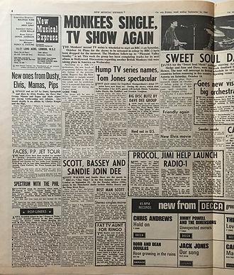 jimi hendri collector newspaper/new musical express 16/9/67  jimi/radio1