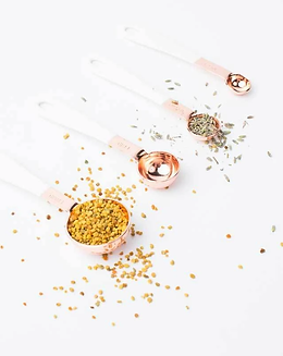 Copper-and-White-Measuring-Spoons-2_1389