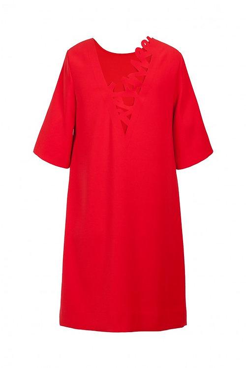 Avara seljaosaga kleit