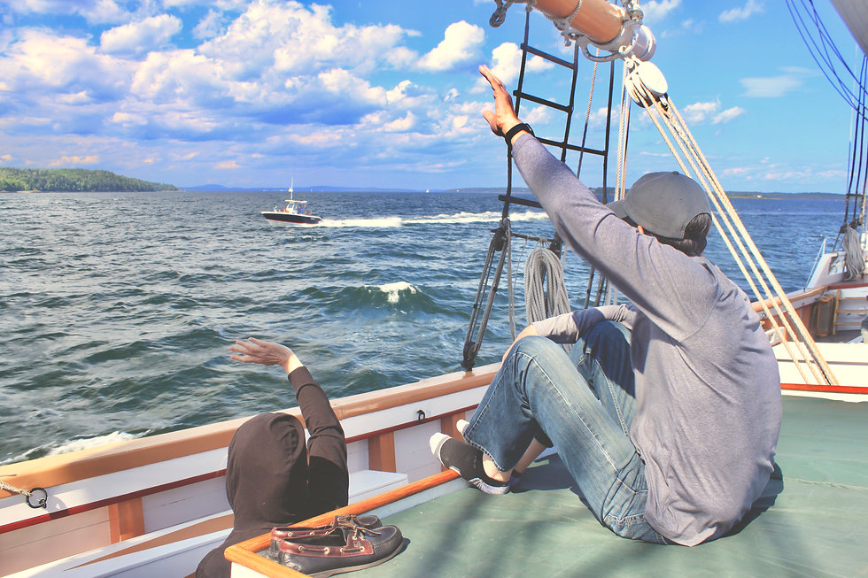 waving to other boats.JPG