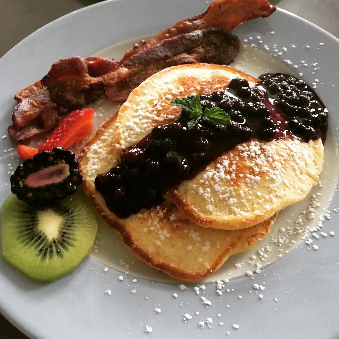 Topside inn breakfast.jpg