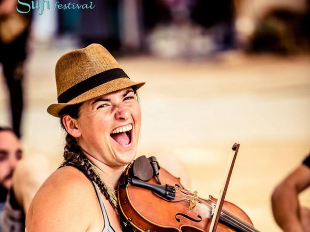 Cara playing fiddle 2.jpg