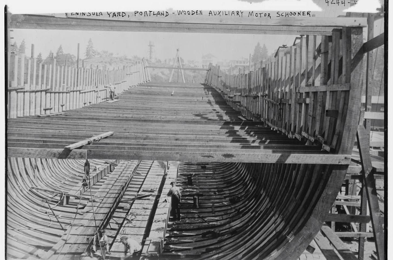 Peninsula yard, Portland, Wooden schoone
