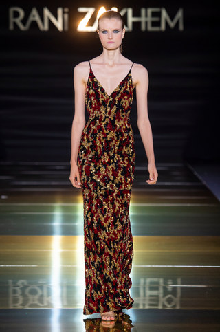 RANI_ZAKHEM_couture_collection_automne_hiver___fall_winter_2018-2019_PFW_-_©_Imaxtree_41.jpg