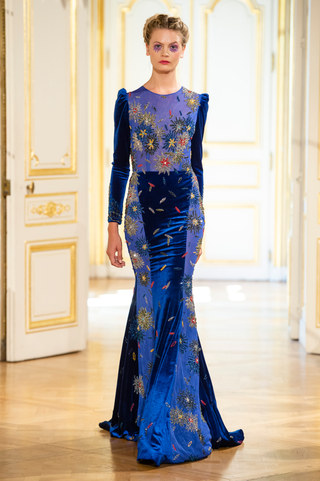 PATRICK_PHAM_photos_defile___fashion_show__4_saisons__couture_collection_automne_hiver___fall_winter_2018_2019_PFW_-_©_Imaxtree_24.jpg