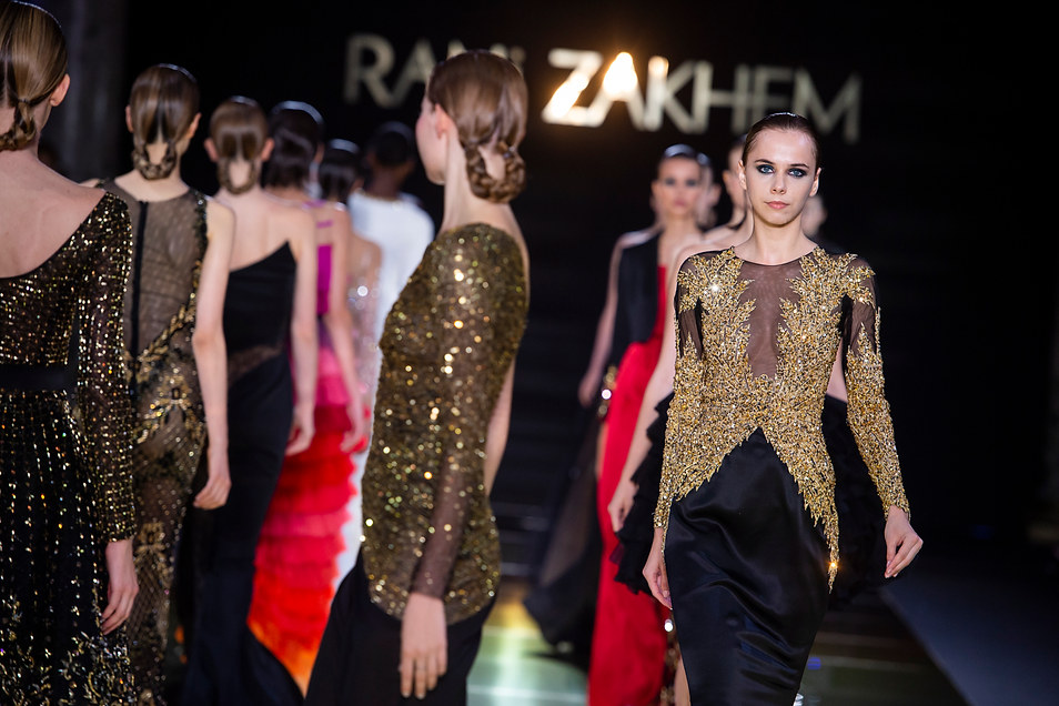 RANI_ZAKHEM_couture_collection_automne_hiver___fall_winter_2018-2019_PFW_-_©_Imaxtree_60.jpg