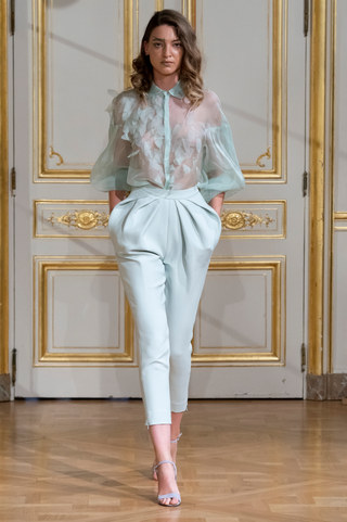 ARMINE_OHANYAN_photos_defile___fashion_show__Elements__couture_collection_automne_hiver___fall_winter_2018_2019_PFW_-_©_Imaxtree_15.jpg
