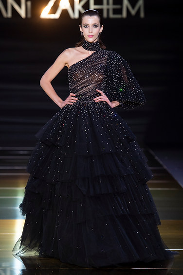 RANI_ZAKHEM_couture_collection_automne_hiver___fall_winter_2018-2019_PFW_-_©_Imaxtree_47.jpg