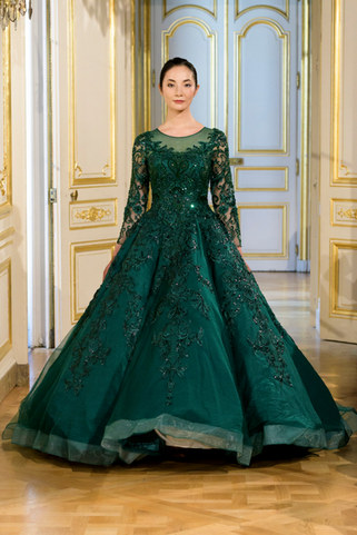 AZULANT_AKORA_Photos_defile___fashion_show_collection_couture__Avatar____automne_hiver___fall_winter_2018_2019_PFW_©_Imaxtree_3.jpg