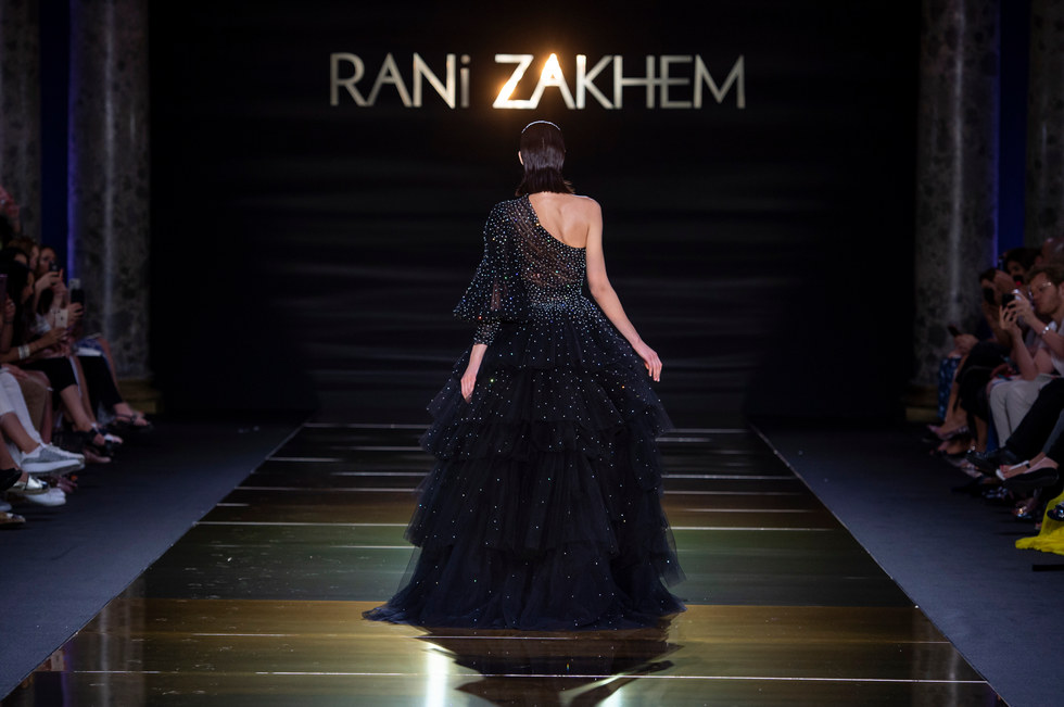 RANI_ZAKHEM_couture_collection_automne_hiver___fall_winter_2018-2019_PFW_-_©_Imaxtree_48.jpg