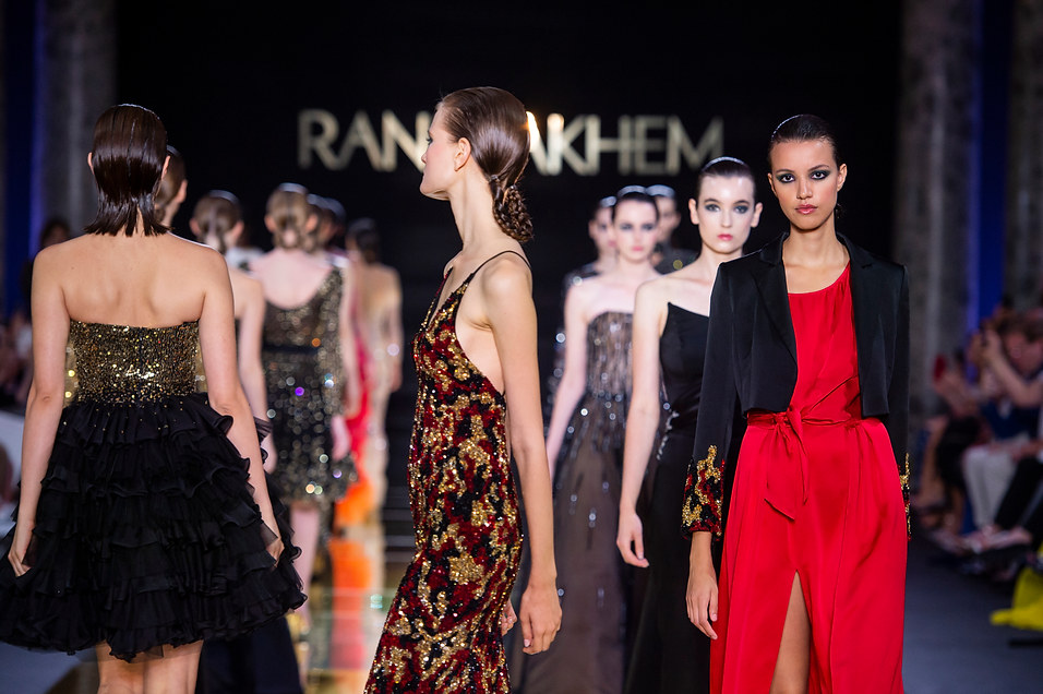 RANI_ZAKHEM_couture_collection_automne_hiver___fall_winter_2018-2019_PFW_-_©_Imaxtree_61.jpg