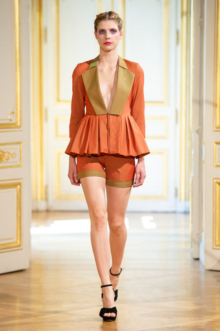 PATRICK_PHAM_photos_defile___fashion_show__4_saisons__couture_collection_automne_hiver___fall_winter_2018_2019_PFW_-_©_Imaxtree_27.jpg