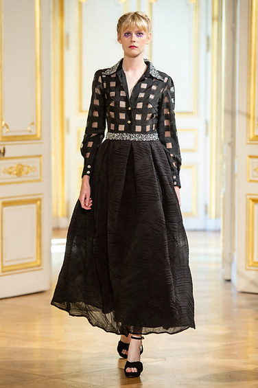 PATRICK_PHAM_photos_defile___fashion_show__4_saisons__couture_collection_automne_hiver___fall_winter_2018_2019_PFW_-_©_Imaxtree_15.jpg