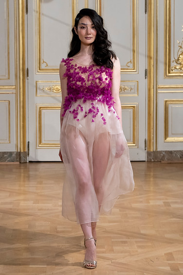 ARMINE_OHANYAN_photos_defile___fashion_show__Elements__couture_collection_automne_hiver___fall_winter_2018_2019_PFW_-_©_Imaxtree_7.jpg