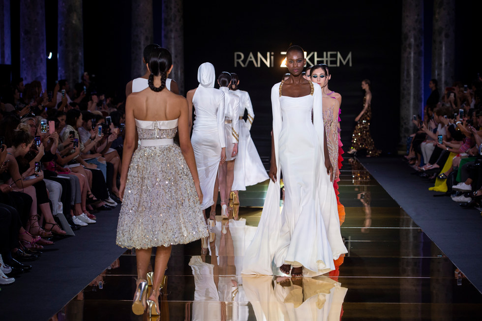 RANI_ZAKHEM_couture_collection_automne_hiver___fall_winter_2018-2019_PFW_-_©_Imaxtree_58.jpg