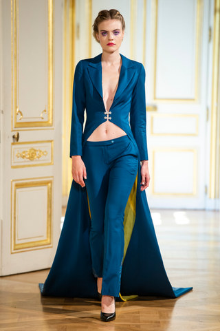 PATRICK_PHAM_photos_defile___fashion_show__4_saisons__couture_collection_automne_hiver___fall_winter_2018_2019_PFW_-_©_Imaxtree_2.jpg