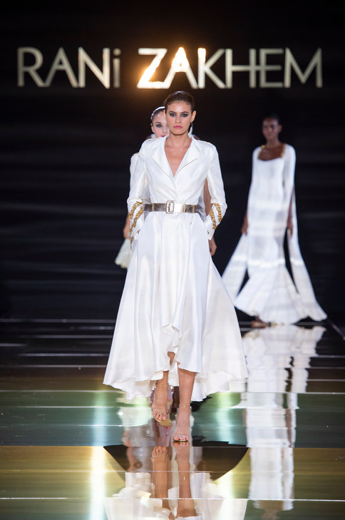 RANI_ZAKHEM_couture_collection_automne_hiver___fall_winter_2018-2019_PFW_-_©_Imaxtree_55.jpg