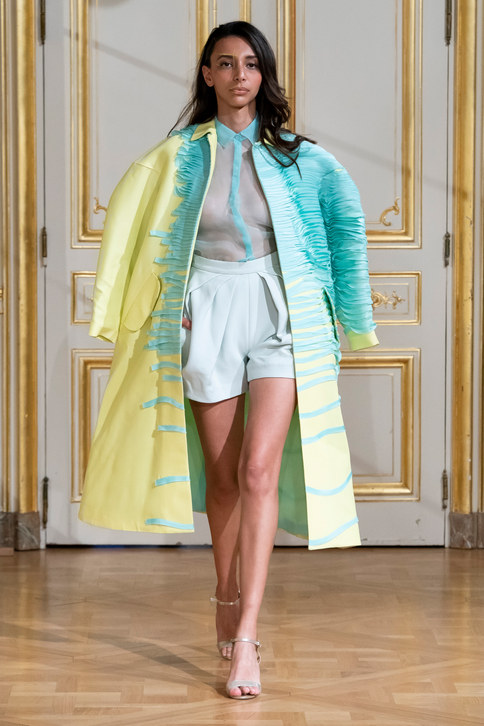 ARMINE_OHANYAN_photos_defile___fashion_show__Elements__couture_collection_automne_hiver___fall_winter_2018_2019_PFW_-_©_Imaxtree_2.jpg