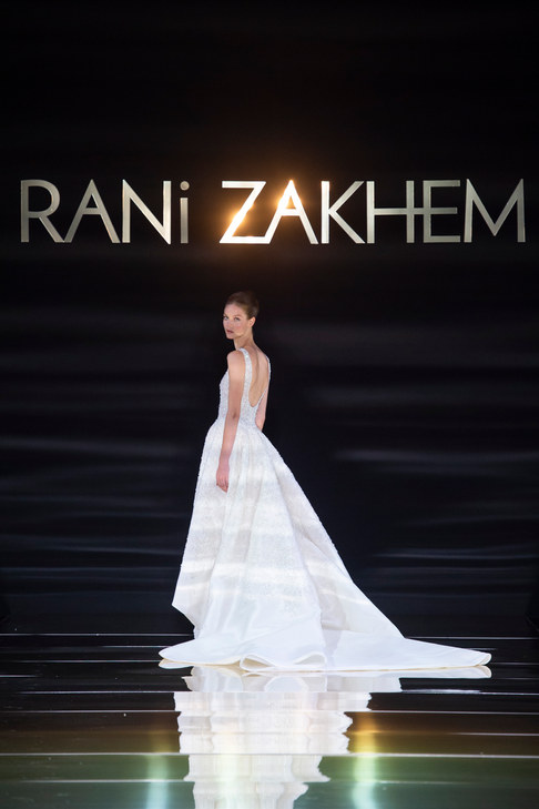 RANI_ZAKHEM_couture_collection_automne_hiver___fall_winter_2018-2019_PFW_-_©_Imaxtree_54.jpg