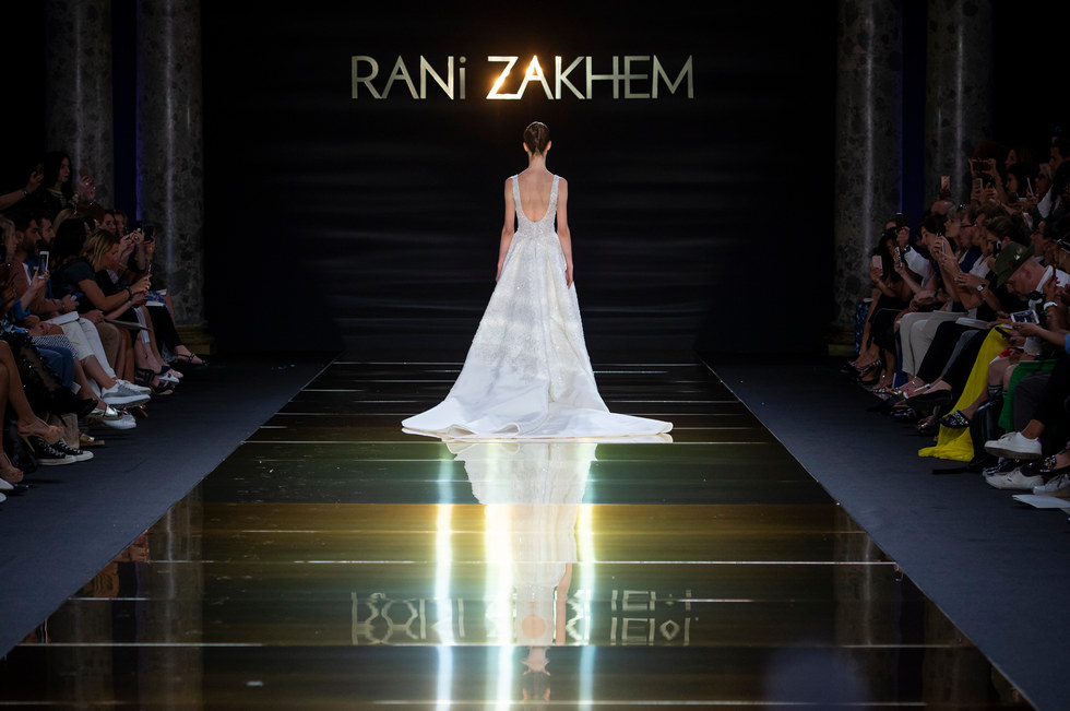 RANI_ZAKHEM_couture_collection_automne_hiver___fall_winter_2018-2019_PFW_-_©_Imaxtree_53.jpg