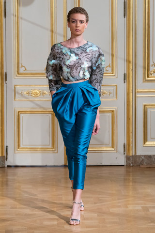 ARMINE_OHANYAN_photos_defile___fashion_show__Elements__couture_collection_automne_hiver___fall_winter_2018_2019_PFW_-_©_Imaxtree_6.jpg