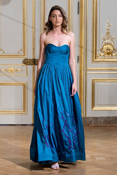 ARMINE_OHANYAN_photos_defile___fashion_show__Elements__couture_collection_automne_hiver___fall_winter_2018_2019_PFW_-_©_Imaxtree_16.jpg