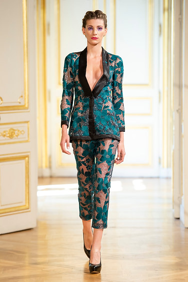 PATRICK_PHAM_photos_defile___fashion_show__4_saisons__couture_collection_automne_hiver___fall_winter_2018_2019_PFW_-_©_Imaxtree_4.jpg