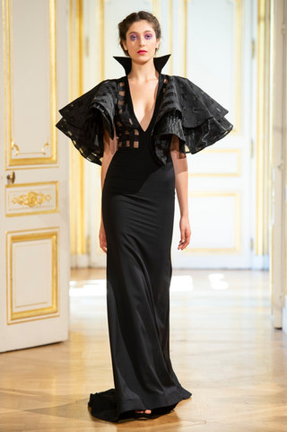PATRICK_PHAM_photos_defile___fashion_show__4_saisons__couture_collection_automne_hiver___fall_winter_2018_2019_PFW_-_©_Imaxtree_21.jpg